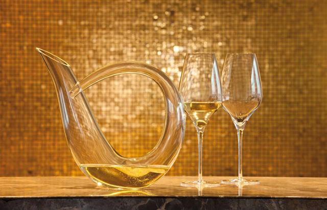 декантация белого вина