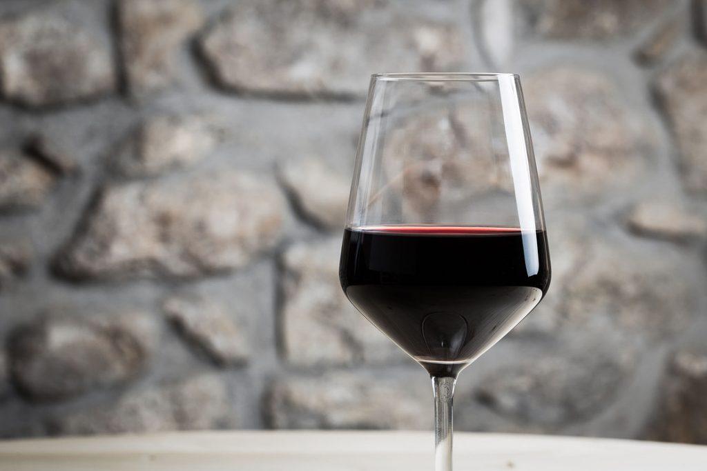 вино из винограда шираз